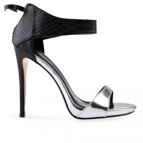 Дамски сандали на висок ток