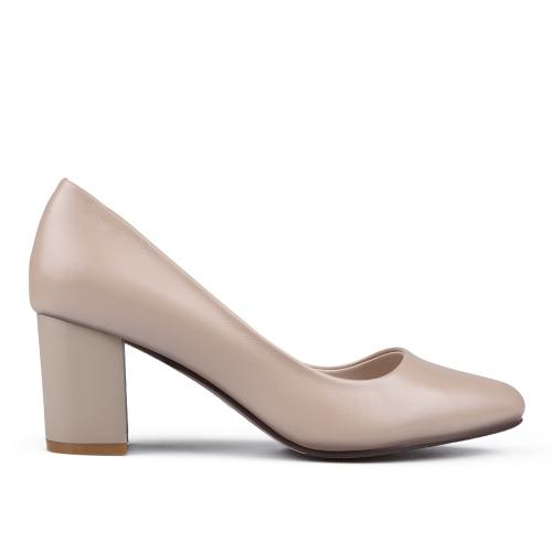 68c2f17b0da дамски елегантни обувки бежови