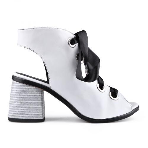 Дамски сандали на среден ток 0134692