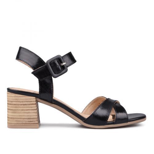 Дамски сандали на среден ток