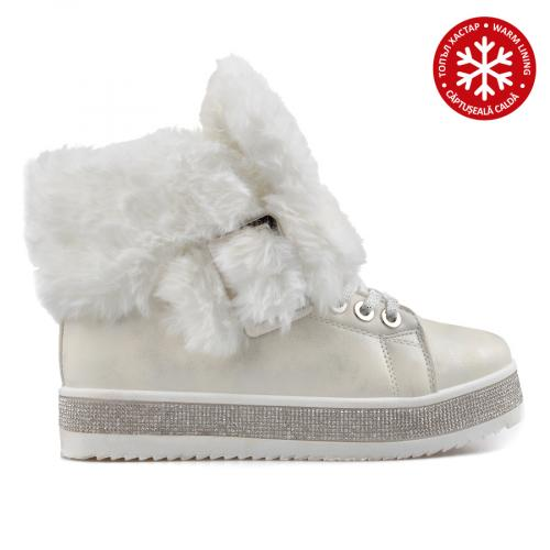 дамски ежедневни боти бели с топъл хастар 0135589