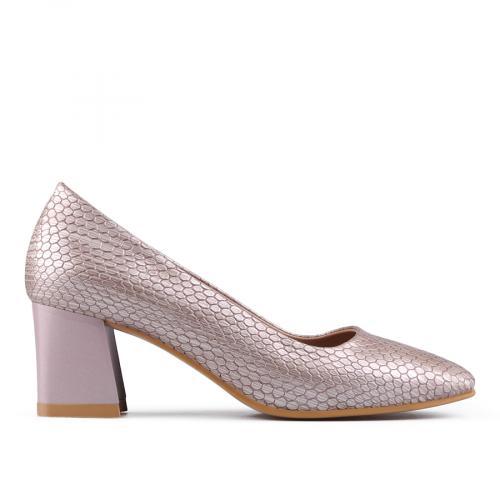 f413d217af8 Дамски обувки на среден ток